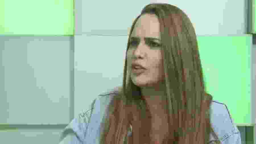 Perlla é entrevistada por Flávia Viana em programa online  - Reprodução/PlayPlus