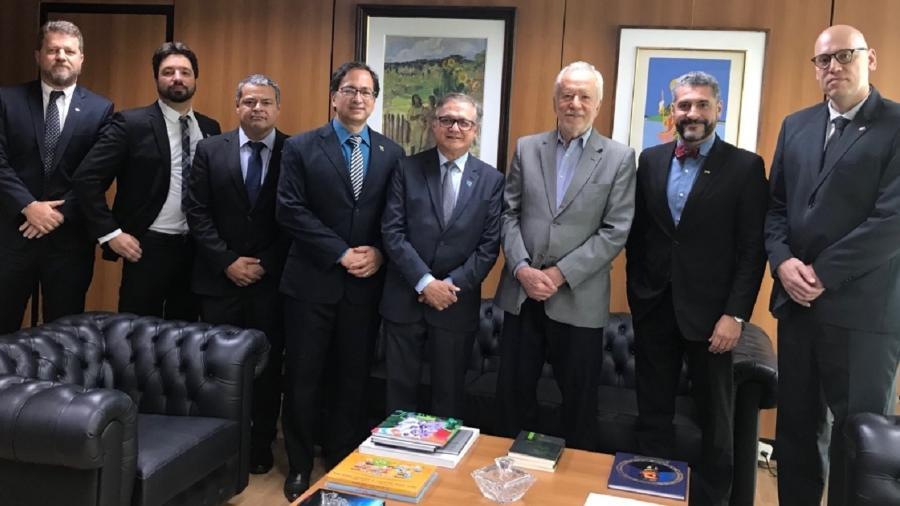Alexandre Garcia se reúne com ministro da Educação - Reprodução/Twitter