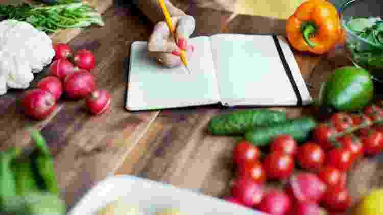 frutas, dieta dos pontos, anotação, comida - iStock - iStock