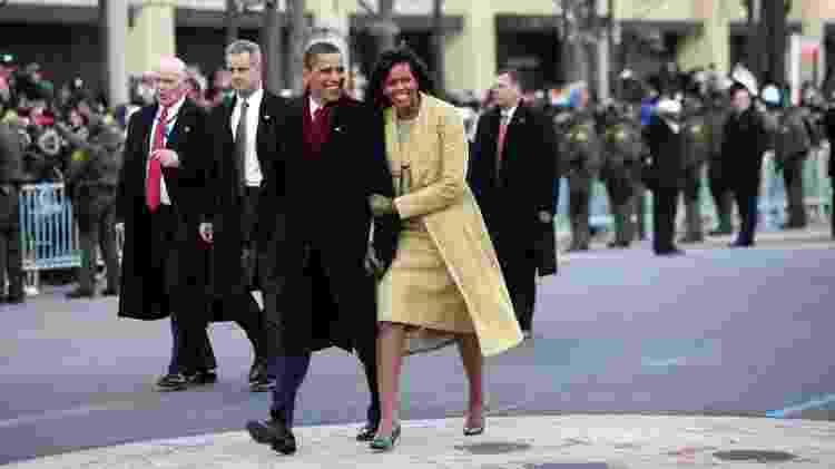 Michelle Obama ao lado de Barack Obama em sua posse para a presidência dos Estados Unidos, em 2009 - Getty Images