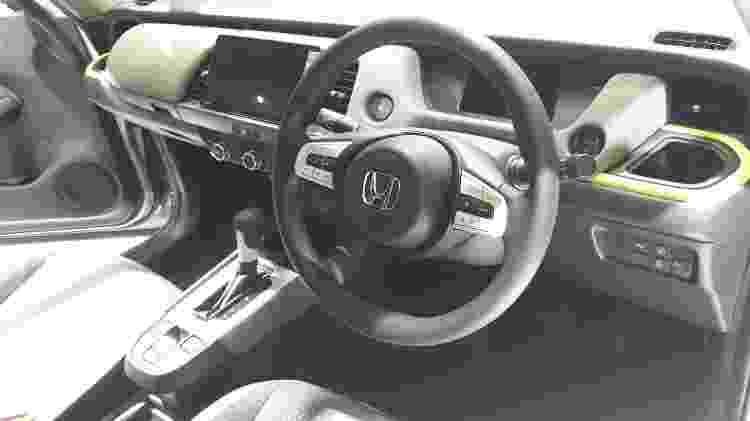 Interior tem painel digital, nova multimídia, carregador por indução e freio de estacionamento elétrico - Vitor Matsubara/UOL