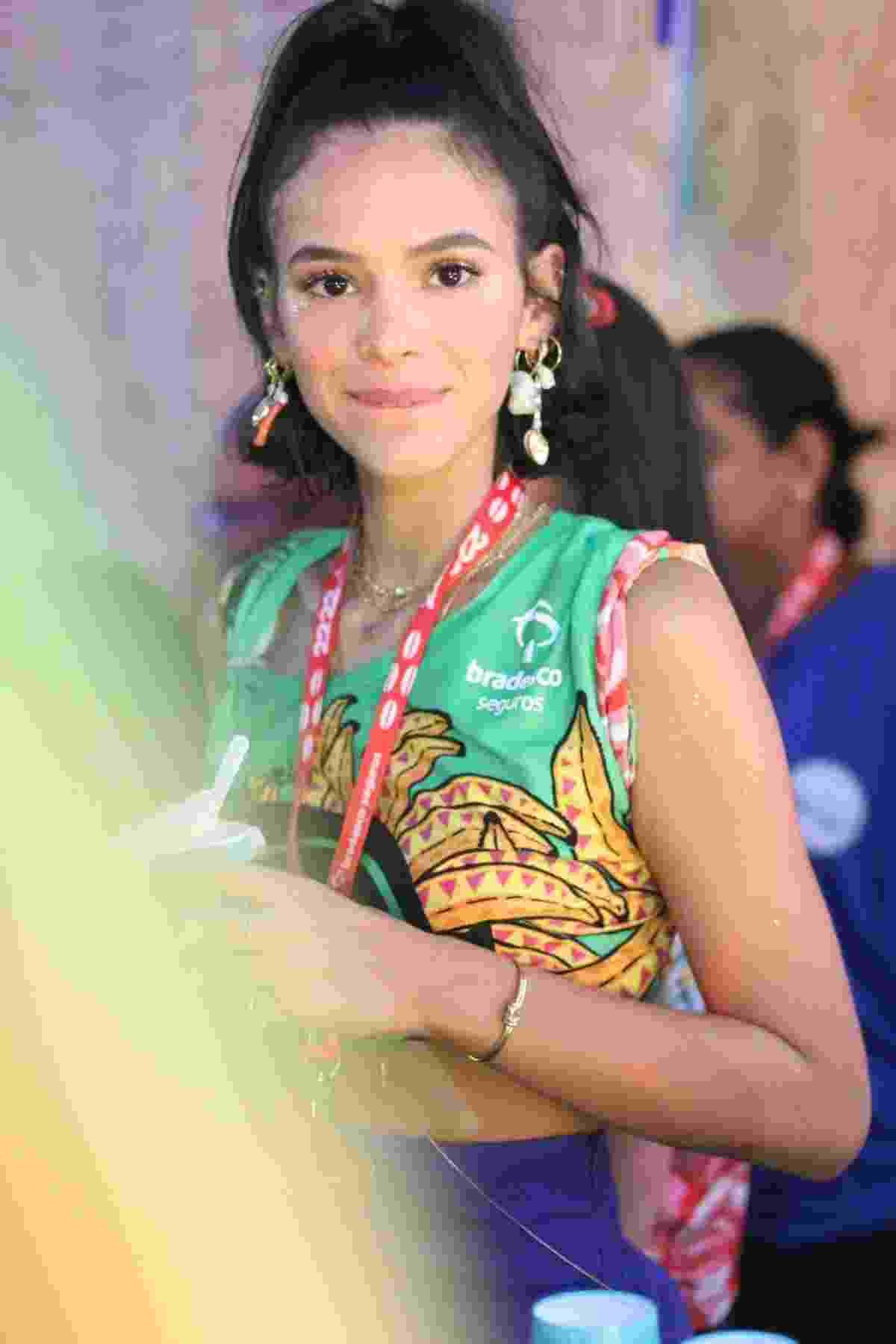 Bruna Marquezine curte mais um dia de folia em Salvador - Daniel Delmiro/AgNews