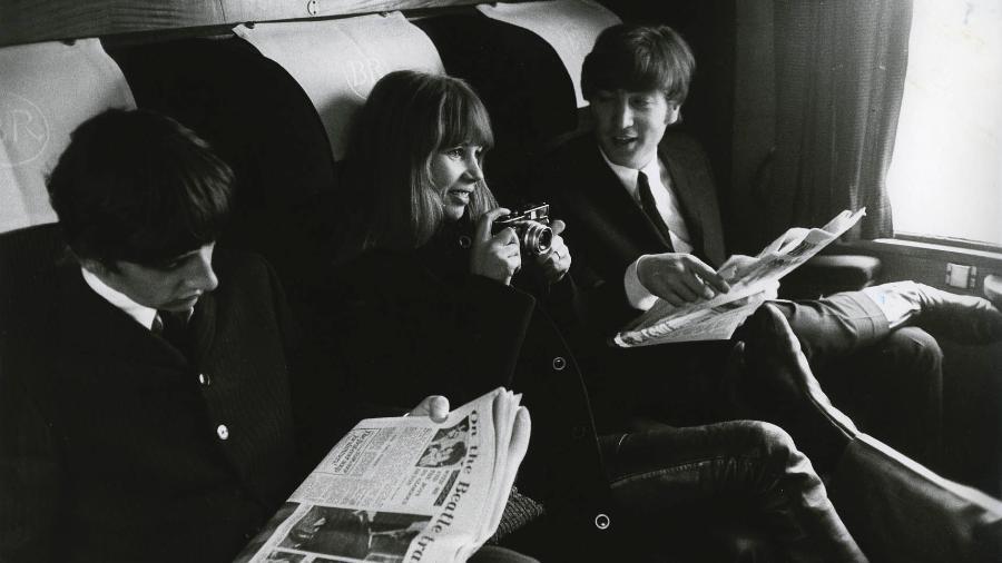 A fotógrafa Astrid Kirchherr foi a responsável por capturar os Beatles pela primeira vez -  Max Scheler - K & K/Redferns - Getty Images
