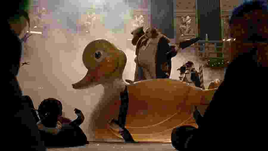 Pato utilizado em O Retorno de Batman - Reprodução