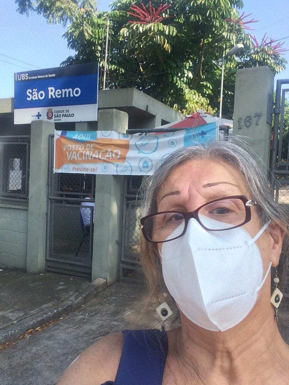 Laerte toma primeira dose da vacina contra a covid-19 - Reprodução/Twitter