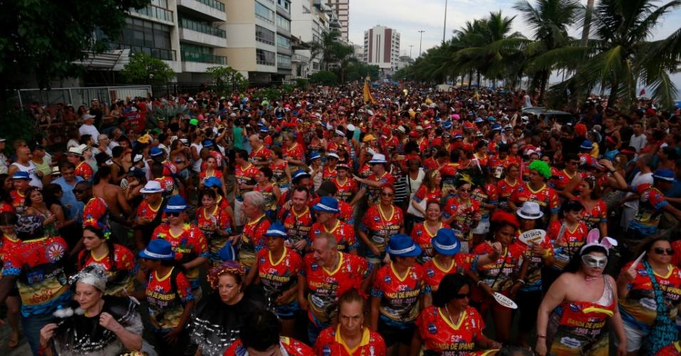 6.fev.2016 - Multidão acompanha o bloco Banda de Ipanema, no Rio