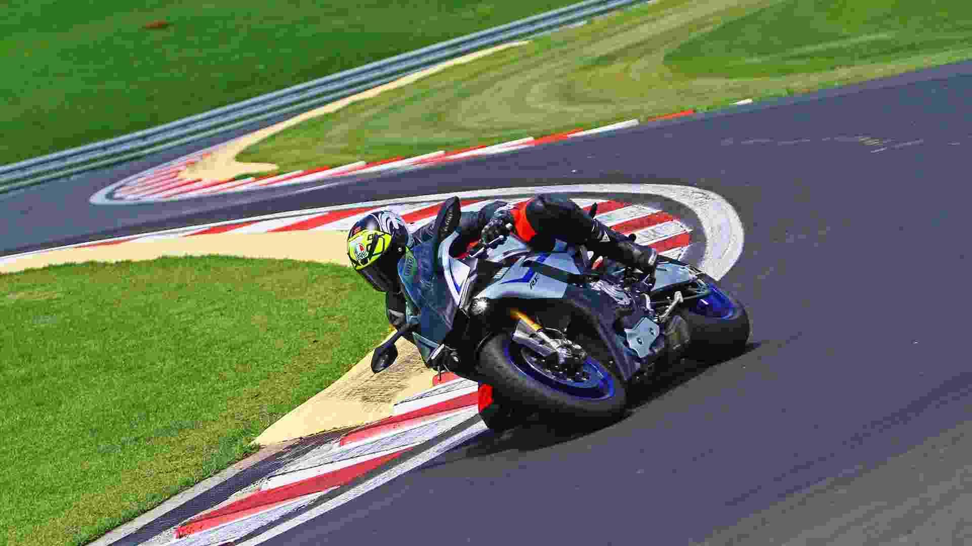 Yamaha YZF-R1M 2016 - Mario Villaescusa/Infomoto