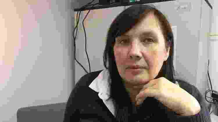 Alyona Sadikova, que coordena o abrigo no subúrbio de Moscou, está chocada com a decisão de reverter a lei - BBC - BBC