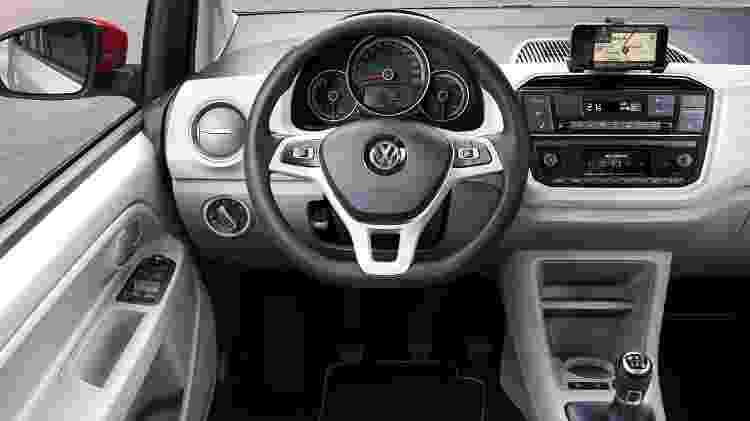 Volkswagen up! 2017 europeu interior - Divulgação - Divulgação