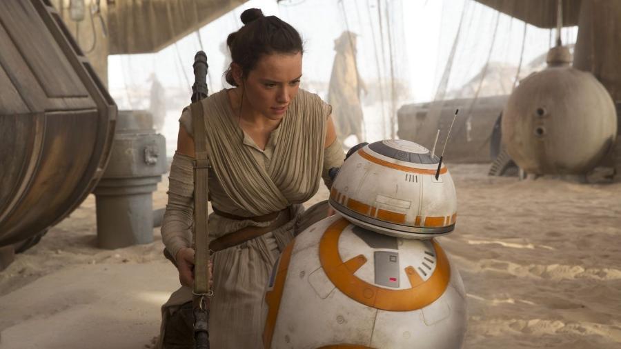 """Cena do filme """"Star Wars: O Despertar da Força"""" (2015), de J.J. Abrams - Reprodução"""
