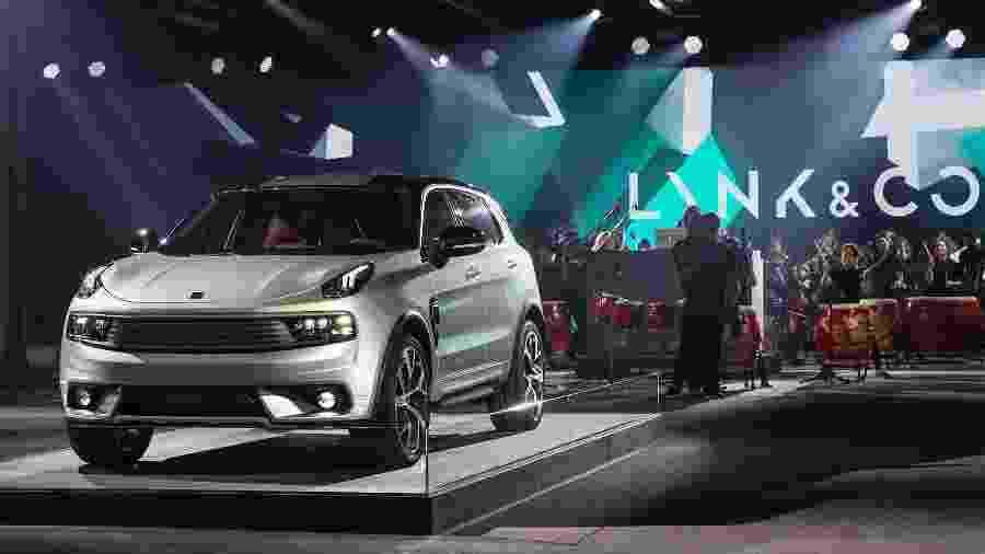 """Lynk & Co""""s 01 é SUV híbrido de nova marca da Geely: opção às estrangeiras generalistas - Bloomberg"""