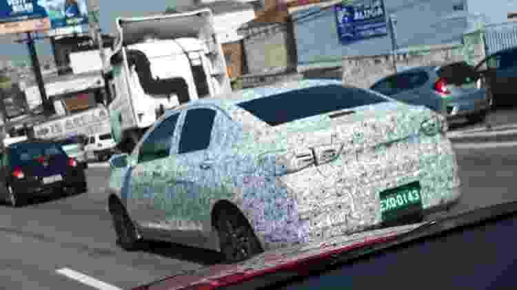 Chevrolet Prisma 2020 flagra 2 - UOL - UOL