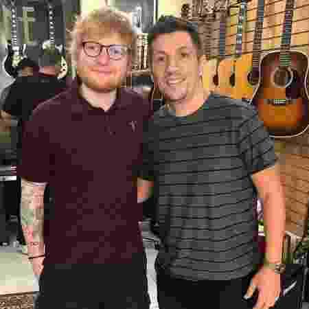 Ed Sheeran em loja de guitarras no bairro de Pinheiros, em São Paulo - Reprodução/Instagram