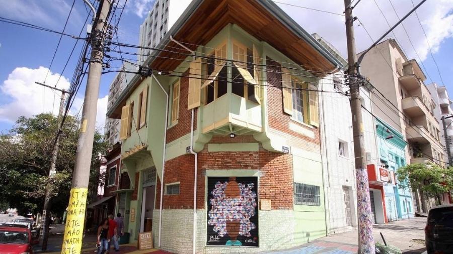 A Casa 1, em São Paulo, está registrada desde 2016 como ONGe também atua como centro cultural e clínica social - Reprodução/Instagram