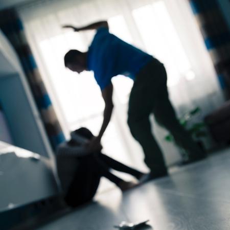 """""""Vítimas estão encurralada"""", diz advogada especialista em direitos das mulheres - Getty Images/iStockphoto"""