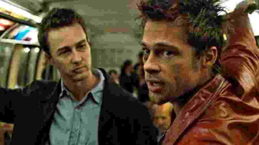 Edward Norton e Brad Pitt em cena de Clube da Luta - Divulgação/IMDb