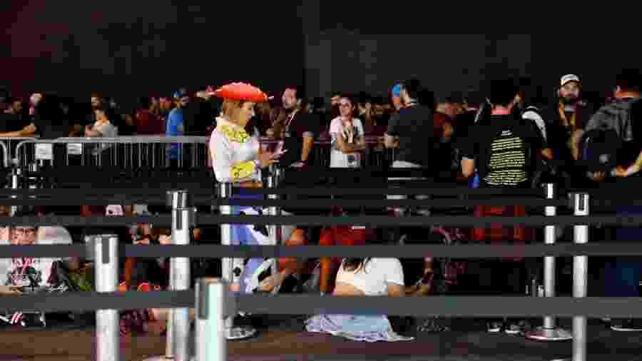 Fãs aguardam em filas longas na CCXP 2019 - Mariana Pekin/UOL