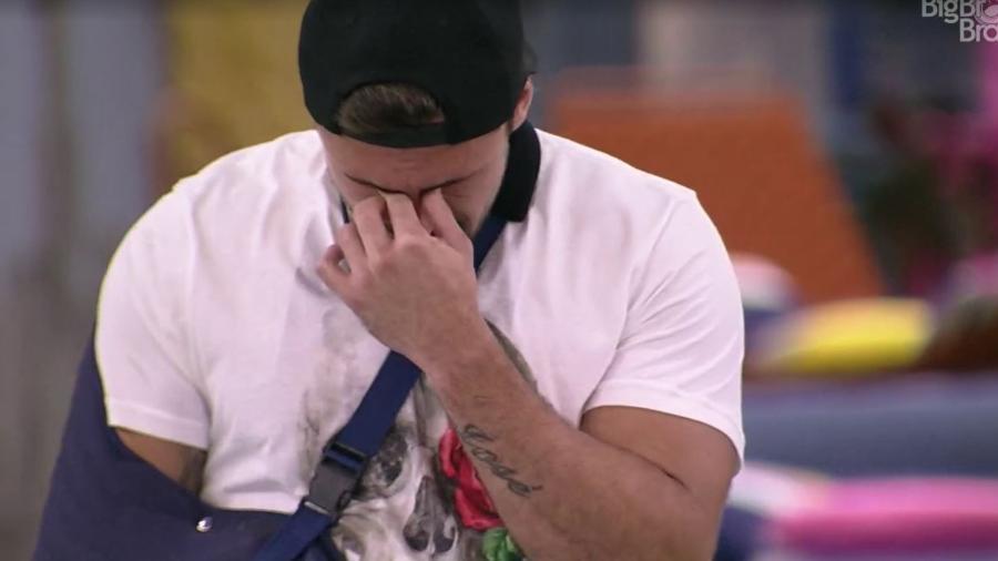 BBB 21: Arthur chora em noite de eliminação - Reprodução/ Globoplay