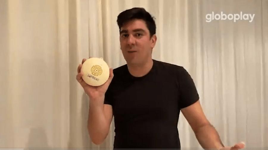 """BBB 21: Em vídeo de humor, Adnet brinca e apresenta """"assistente de militância virtual"""" chamado Lumena - Reprodução/Globoplay"""