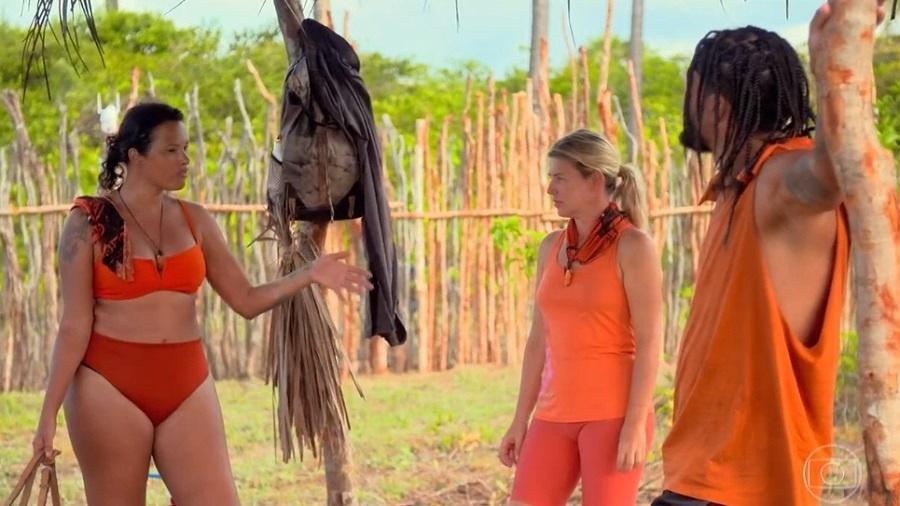 No Limite: Ariadna e Íris discutem sobre prostituição - Reprodução/Rede Globo