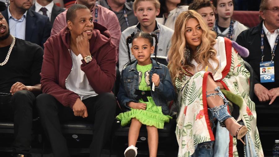 Jay Z, Beyoncé e Blue Ivy no NBA All-Star Game, em Nova Orleans - Getty Images
