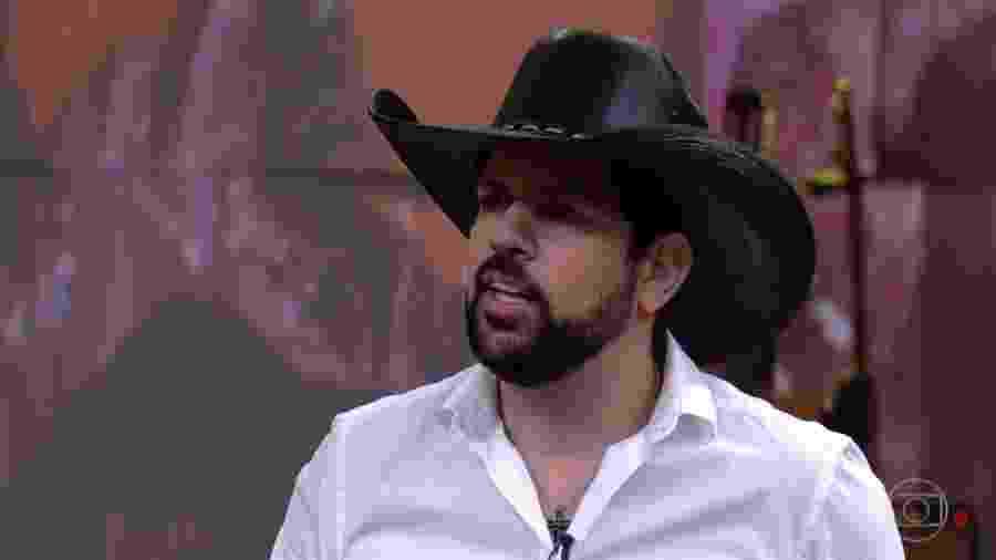 """O cantor Sorocaba foi um dos convidados do programa """"Conversa com Bial"""" - Reprodução/TV Globo"""