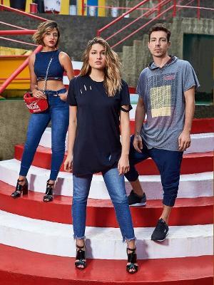 0acee574b Sasha também assina peças da coleção, feitas com jeans reciclado Imagem:  Divulgação