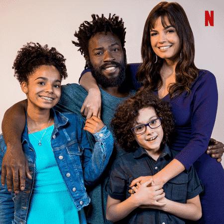 """Netflix divulga elenco de sua nova série brasileira, """"Samantha!"""" - Reprodução/Twitter"""