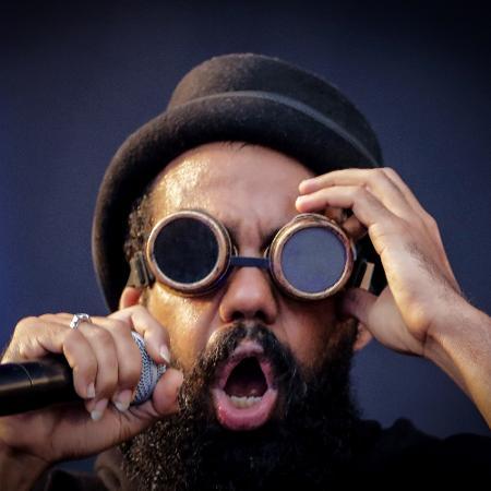 Russo Passapusso se apresenta com a banda BaianaSystem - Thiago Bernardes/Estadão Conteúdo