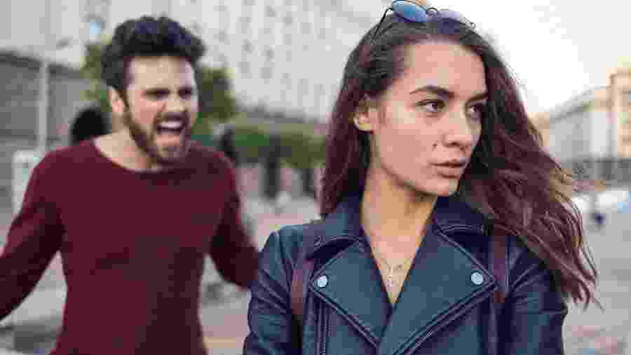 Homem grita com mulher; machismo; briga de casal; briga - Getty Images