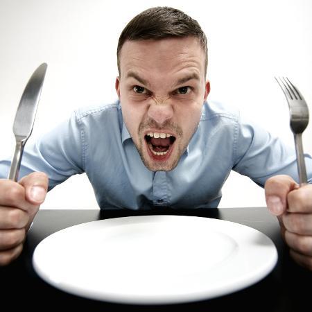 Indivíduos com fome relataram maiores emoções desagradáveis - iStock