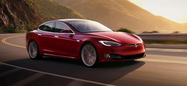 """Quase 70 mil unidades do Tesla Model S têm """"airbags fatais"""" - Divulgação"""