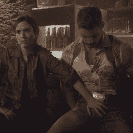 """Tatá Werneck e Cauã Reymond em cena do filme """"Uma Quase Dupla"""" - Reprodução - Reprodução"""