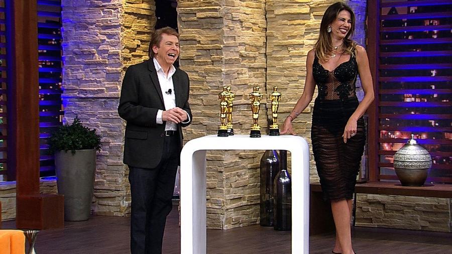 """Nelson Rubens e Luciana Gimenez no """"Luciana By Night"""", programa da RedeTV! - Divulgação/RedeTV!"""