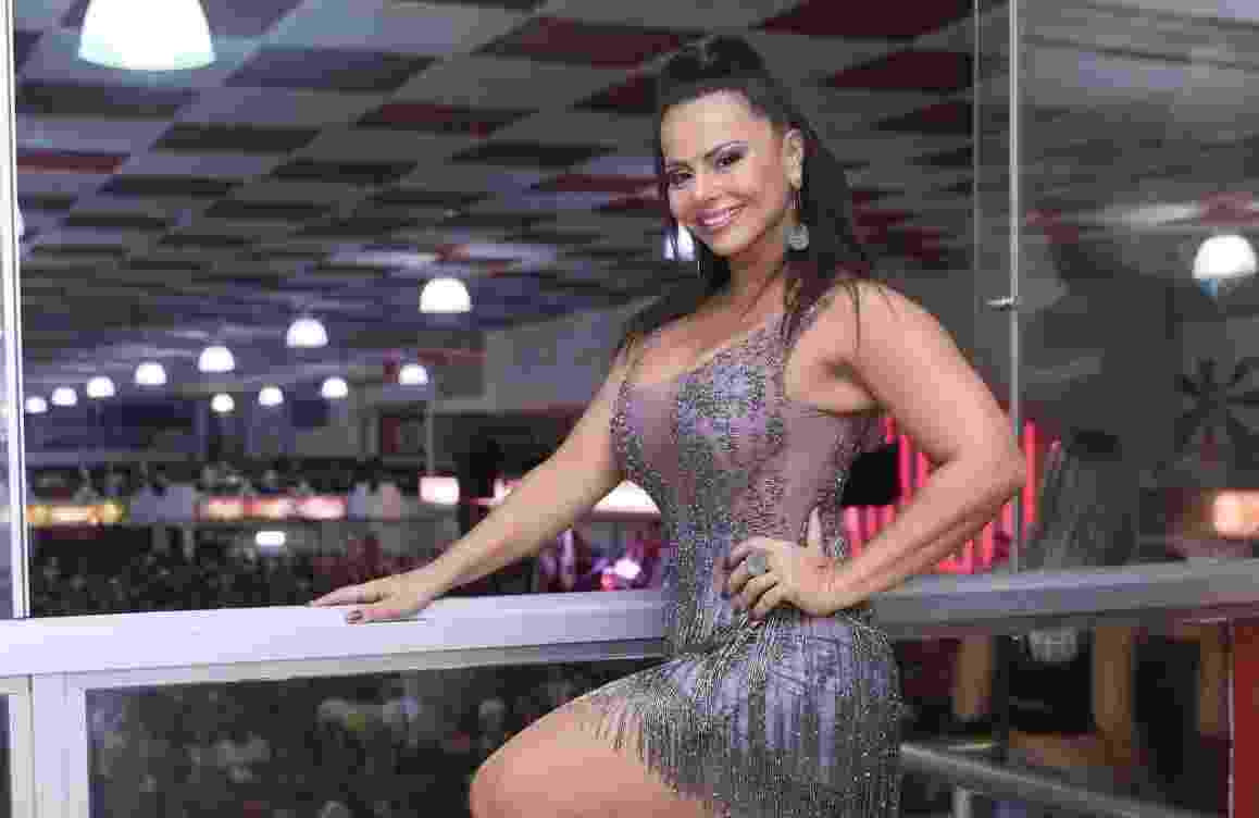 Viviane Araújo em noite de samba no Salgueiro, no Rio - Anderson Borde/AgNews