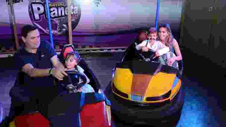 Carioca e Paola Machado se divertem na festa de aniversário dos filhos em São Paulo - Brazil News - Brazil News