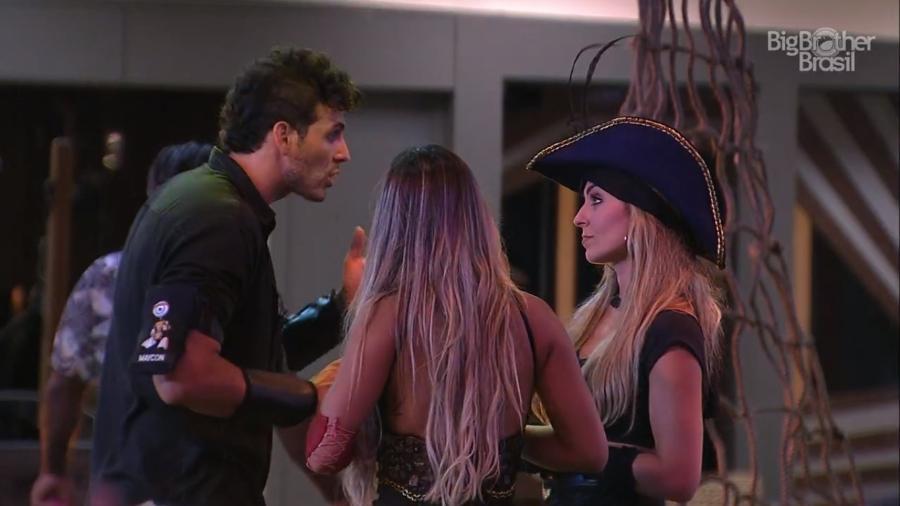 Maycon e Paula discutem - Reprodução/TvGlobo
