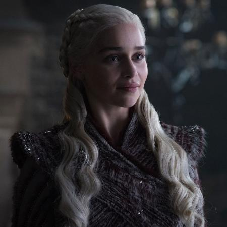 """Emilia Clarke é Daenerys em """"Game of Thrones"""" - Divulgação"""