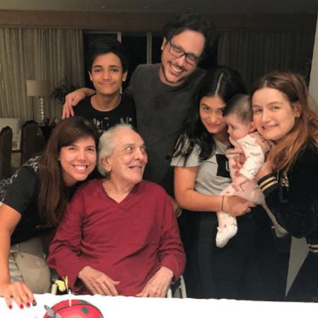 Lúcio Mauro comemora 92 anos em família - Reprodução/Instagram