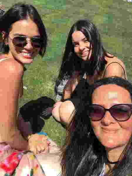 Bruna Marquezine e amigas no show de Kanye West no Coachella - Reprodução/Instagram - Reprodução/Instagram