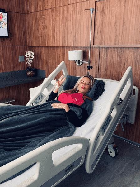 Marcelle Casagrande após passar por procedimento cirúrgico - Instagram/Reprodução