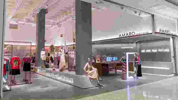 Guide shop da Amaro, onde os clientes podem experimentar as roupas e comprá-las por meio das plataformas digitais para entrega posterior - Felipe Tazzo/Divulgação - Felipe Tazzo/Divulgação