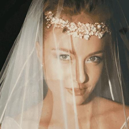 Luciano Huck postou foto de Angélica vestida de noiva para comemorar 16 anos da união - Reprodução/Instagram/@lucianohuck