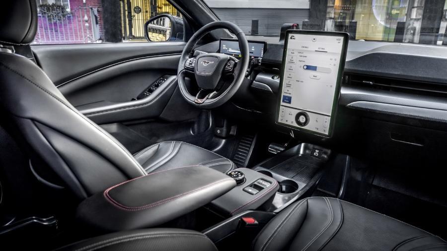 Interior Mustang Mach E - Divulgação