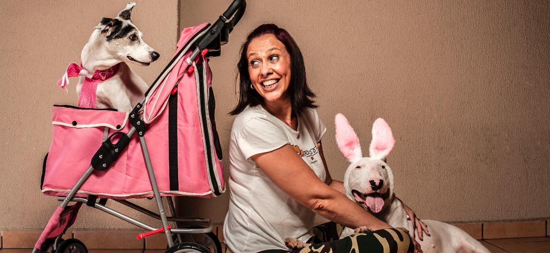 Fernanda diz que seus pets são como filhos: ela veste roupinhas, faz festa de aniversário e se sente verdadeiramente mãe - Fernando Moraes/UOL