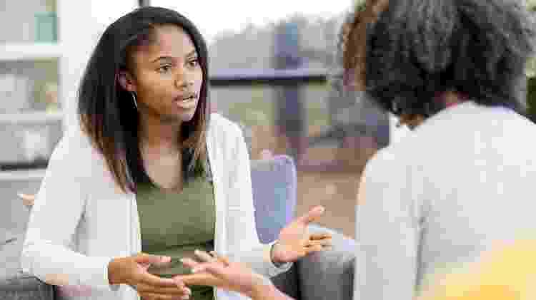 terapia; adolescente - iStock - iStock