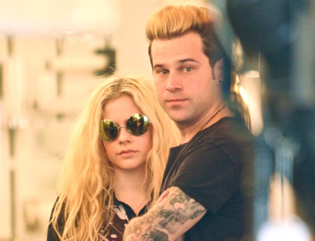 Avril e Ryan flagrados juntos em janeiro desde ano - AKM