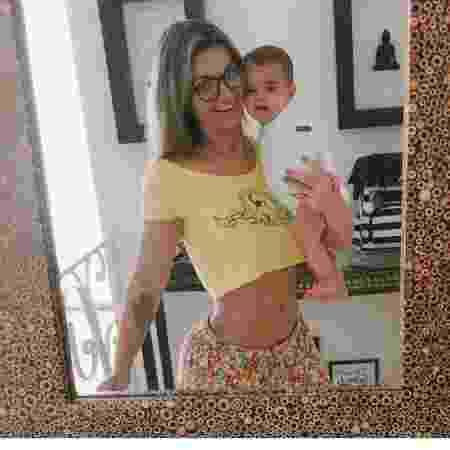 Kelly Key faz selfie em frente ao espelho e brinca sobre boa forma - Reprodução/Instagram/oficialkellykey
