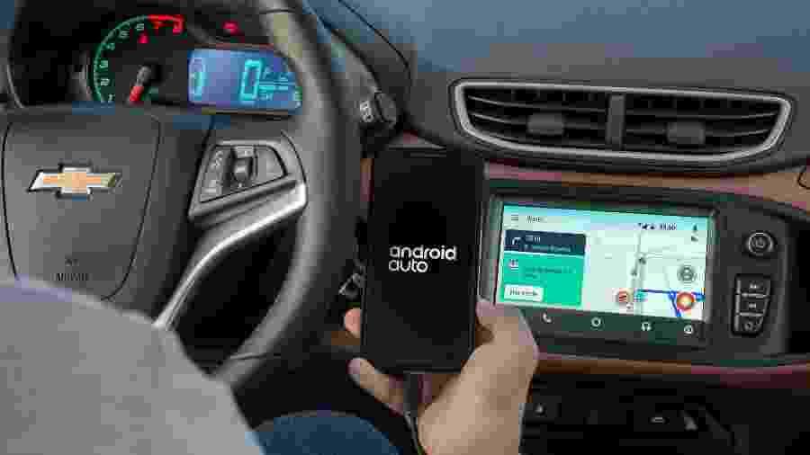 Central MyLink, do Chevrolet Onix, é uma das que passarão a ser compatíveis com espelhamento do Waze via Android Auto - Divulgação