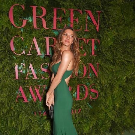 Gisele Bündchen usa vestido sustentável em premiação em Milão, na Itália  - Reprodução/Instagram
